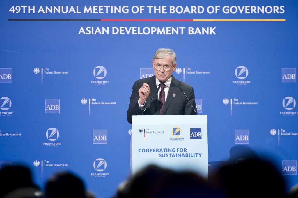 Horst Köhler at the Asian Development Bank's annual convention, Frankfurt, August 2016 (courtesy of the BMZ / Photothek).