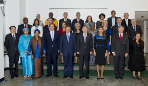 Group photo with members of the UN High-Level Panel of Eminent Persons on the Post-2015 Development Agenda (UN Photo/Eskinder Debebe)