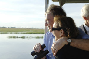 Federal President Köhler and his wife Eva Luise on a boat trip on Chobe River in Chobe National Park, Botswana (courtesy of the Federal Government, photo by Bernd Kühler).